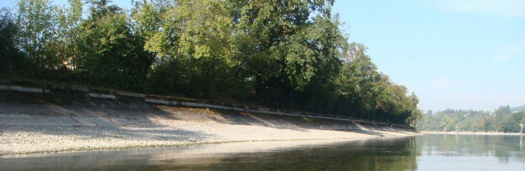 Harte Uferverbauungen